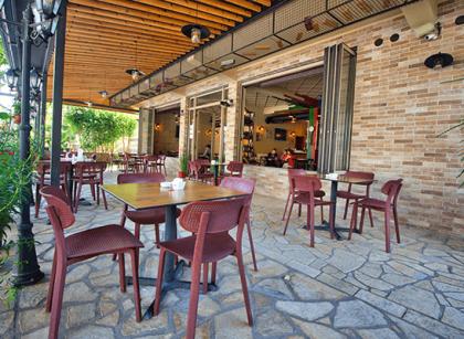 restaurant-sarajet-kelcyre-albania (1)