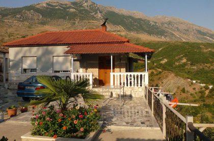 Krisafi-guesthouse-Lunxheria-Gjirokaste